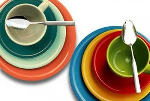 cambiar la cocina mostoles con platos, tazas y cucharas nuevas